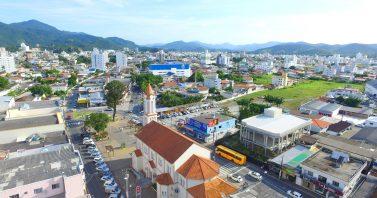 Volume de reclamações de falta de água em Camboriú caiu 85,5% no final do ano